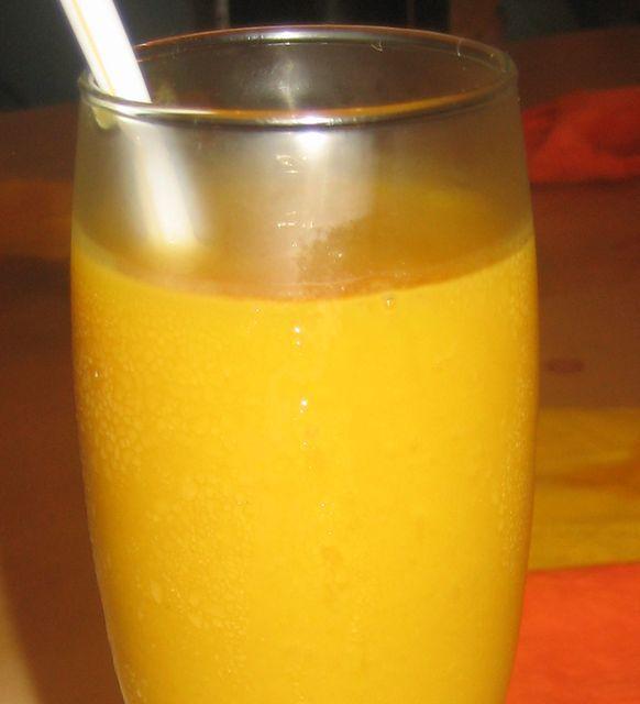 Sorbete de mango, lima y maracuyá