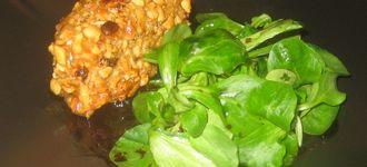 Tacos de rulo de cabra con frutos secos y miel